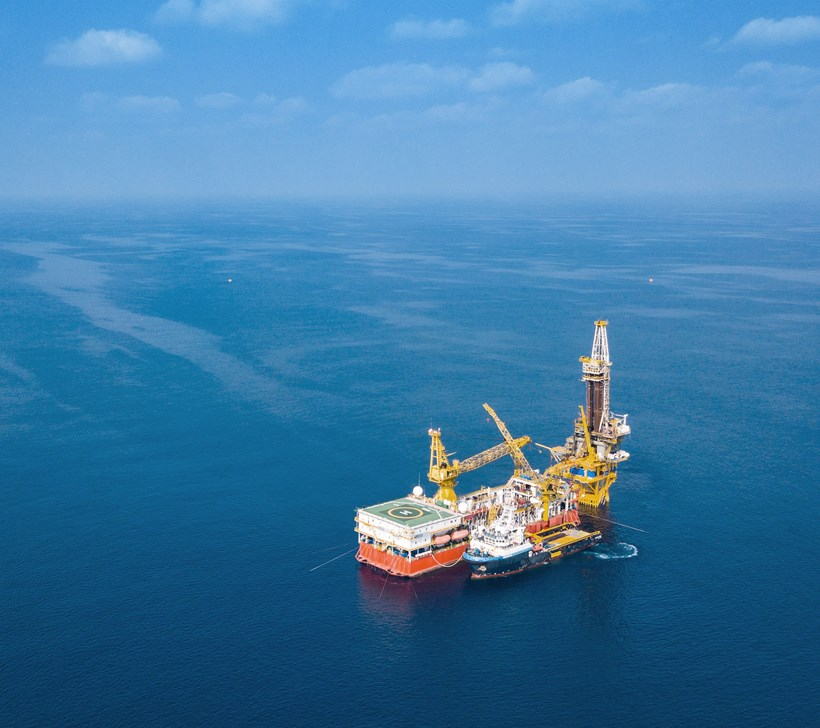 Aerial view of barge oil rig